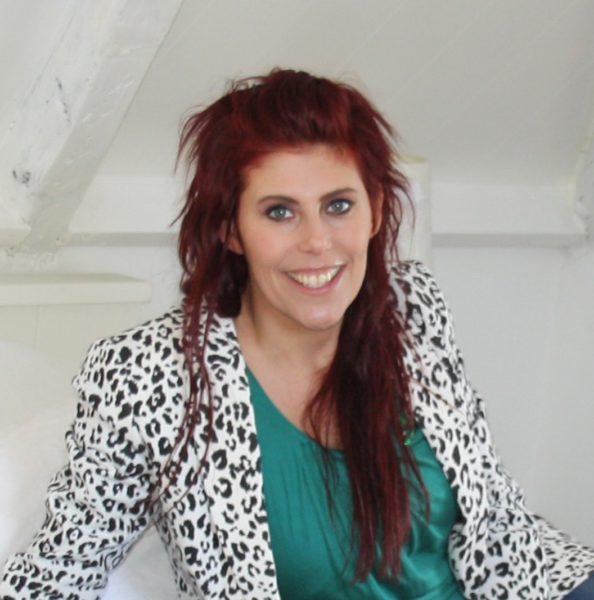 Nicolette van der Velden
